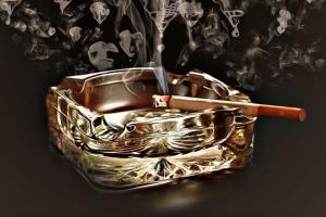 Aschenbecher für Zigarren und Zigaretten